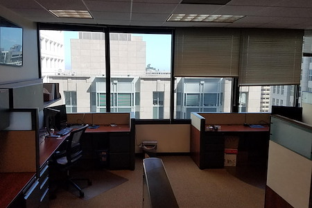 Office with a great view in the Financial District - Dedicated Desk 1