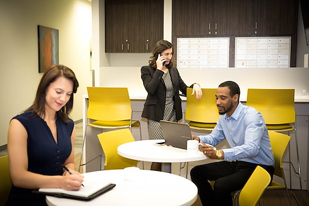 Office Evolution - University Research Park - Business Lounge