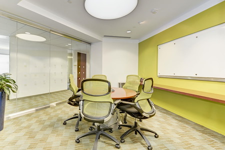 Carr Workplaces - Tysons - McLean Meeting Room