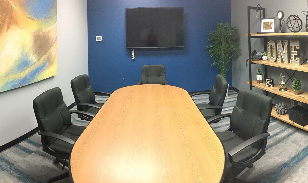 Downtown Tower Executive Office Suites - Conference Room of Midland