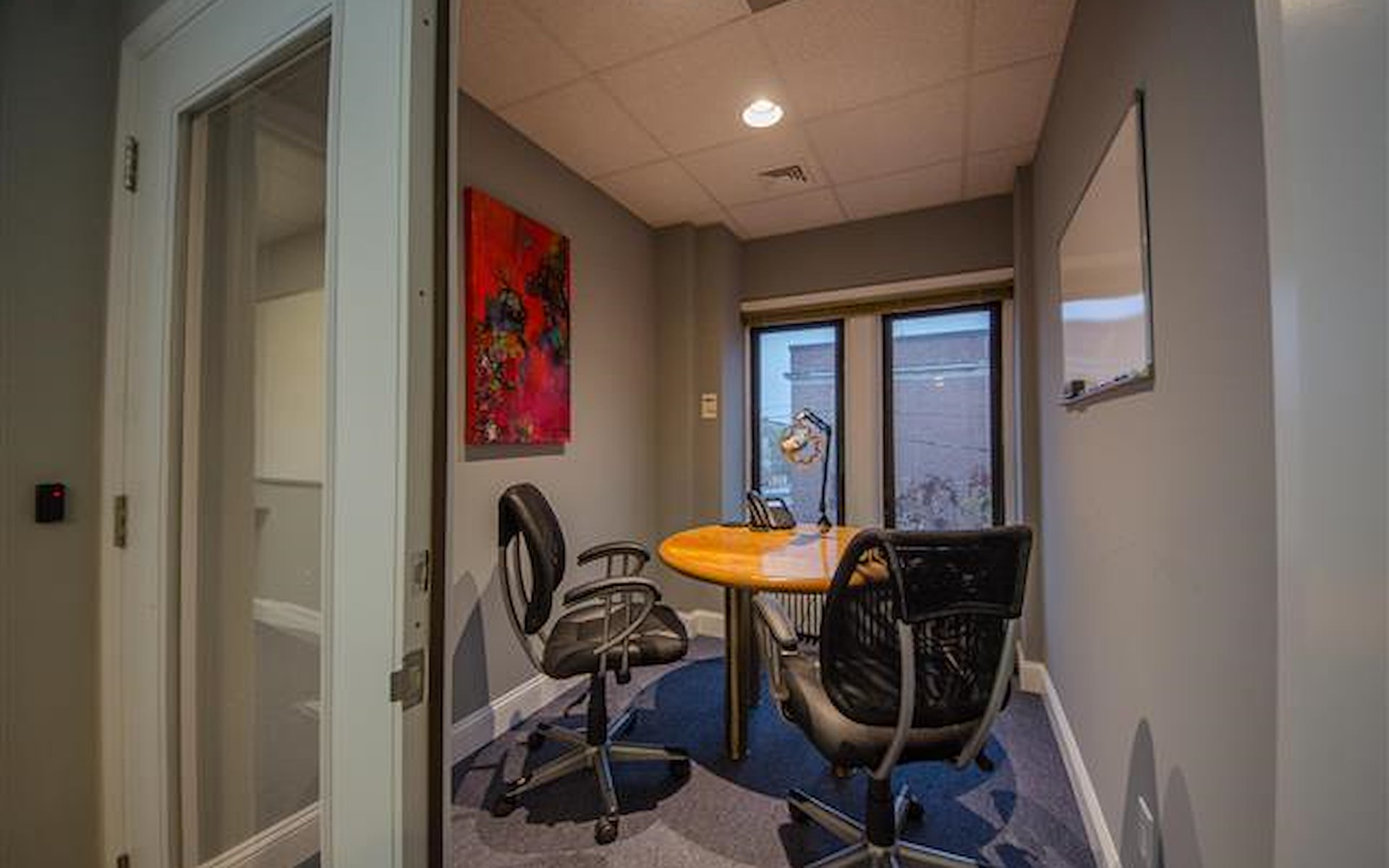 HeadRoom - Media - Privacy Room