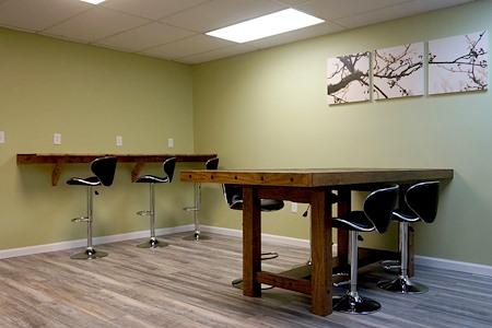 BizLounge - Common Work Desk