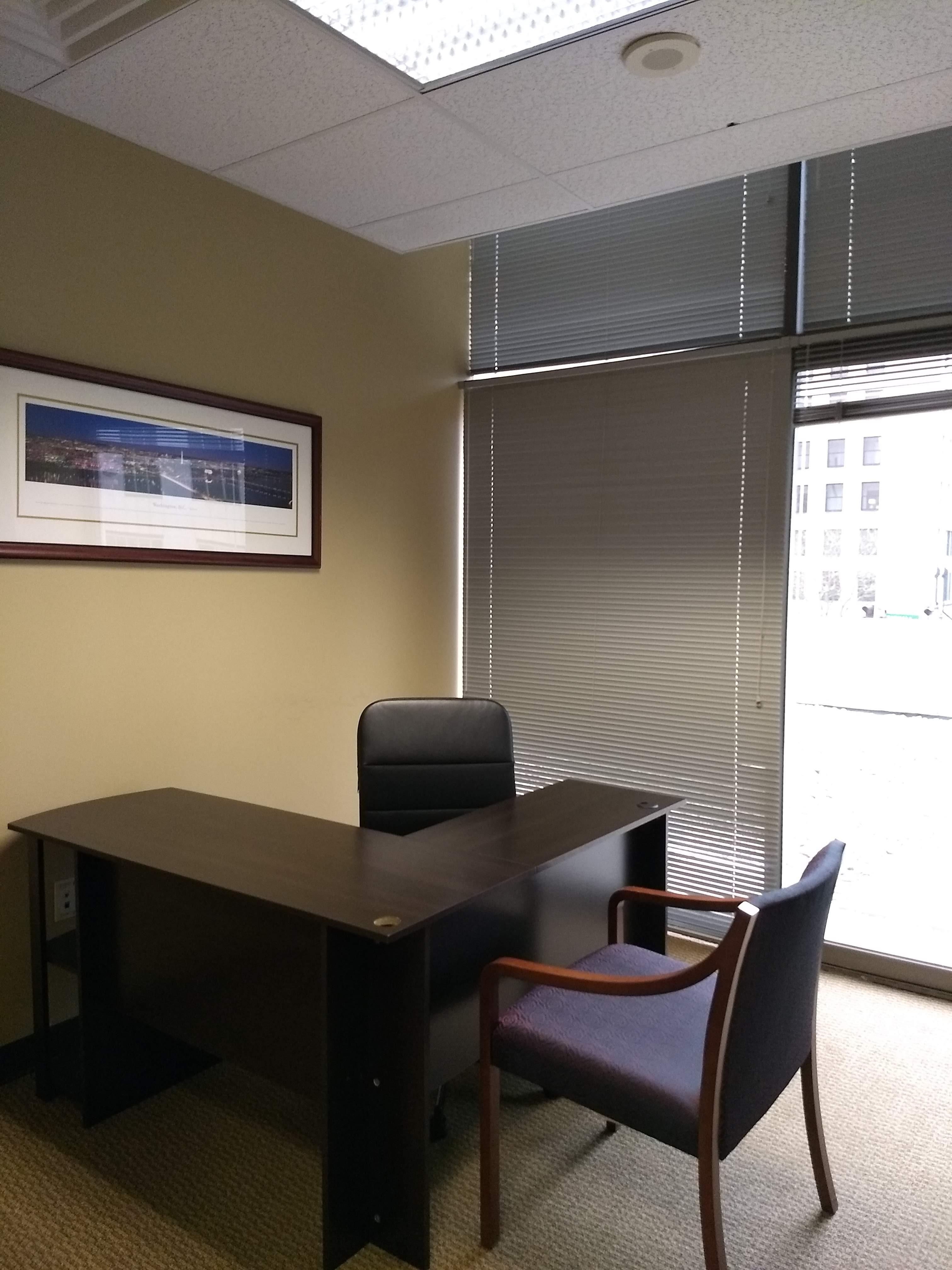 TKO Suites - 300 Delaware - Office with a View