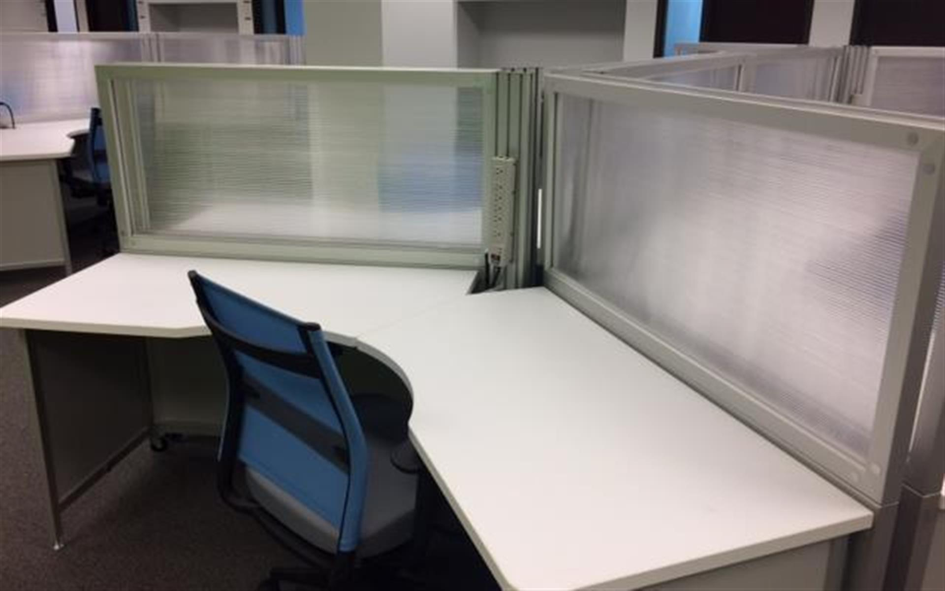 CoWork Connection Plus - Mobile Work Desk For 1 (Daily)