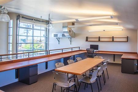 Todd Jersey Architecture - Individual Desk in Loft