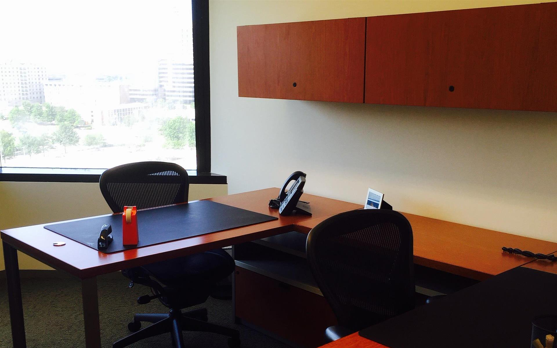 Carr Workplaces - Tysons Boulevard - Office1555/1554/1518/1519-4 Office Suite