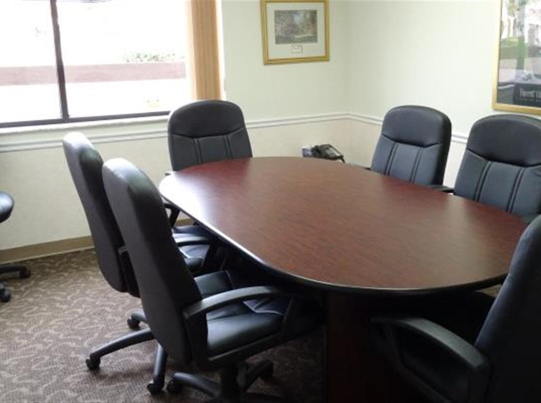 Private Meeting Room For At Goldbetter Miami Office Business - Conference table miami