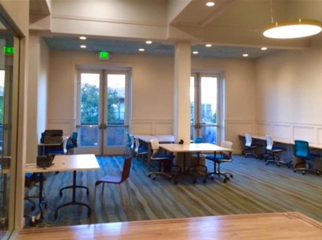 Open Desk - 10 Available at The Satellite Center Sunnyvale | LiquidSpace