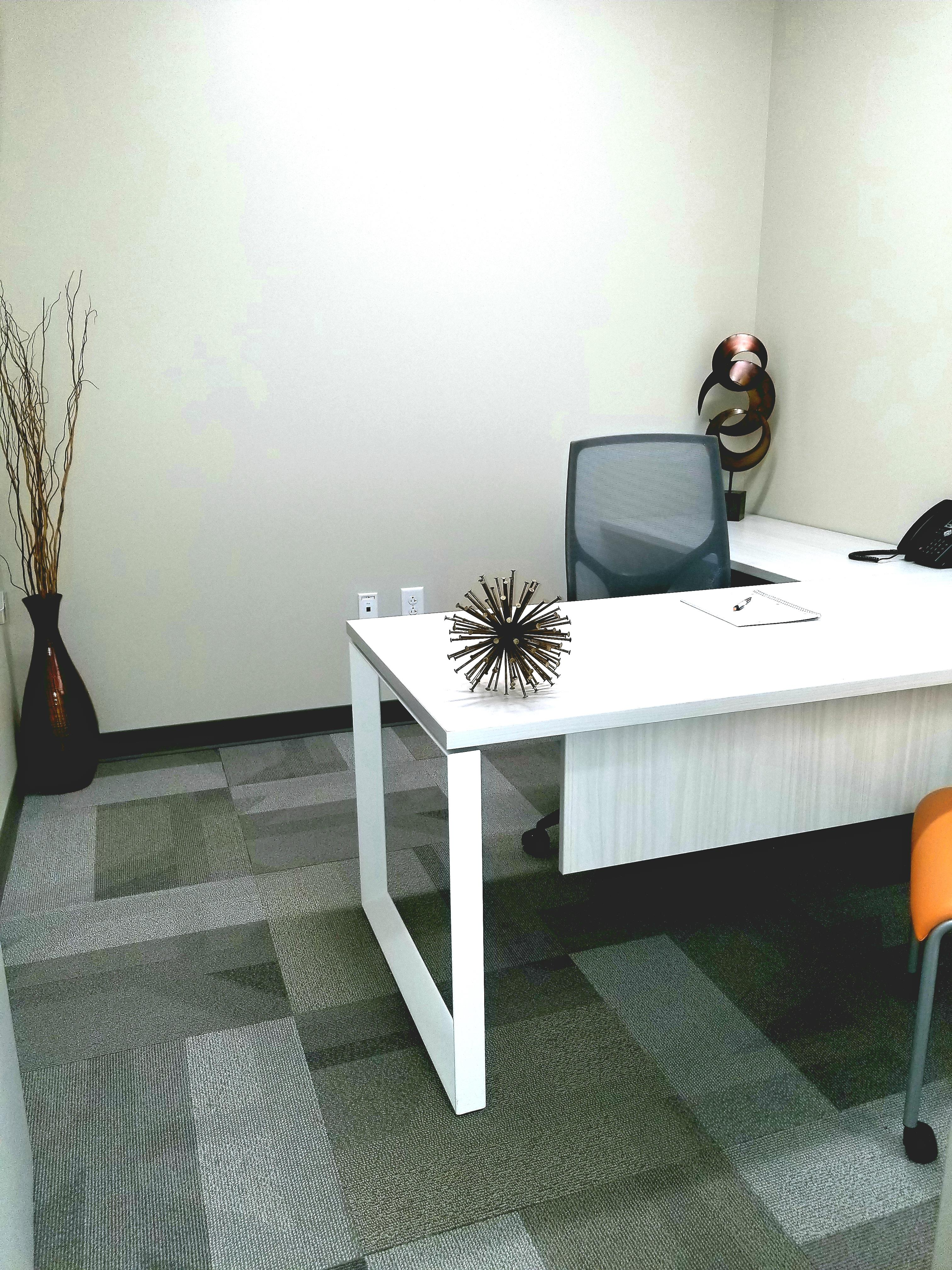 Office Evolution - Cary - Small window office