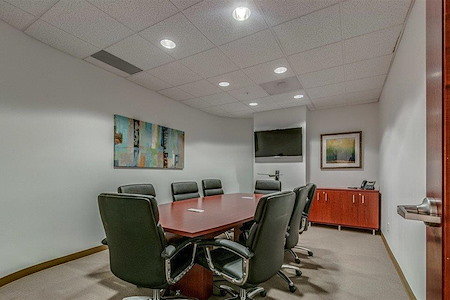 Green Hills Office Suites - Medium Meeting Room (343)