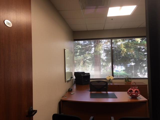 580 Executive Center - Day Office Suite 101