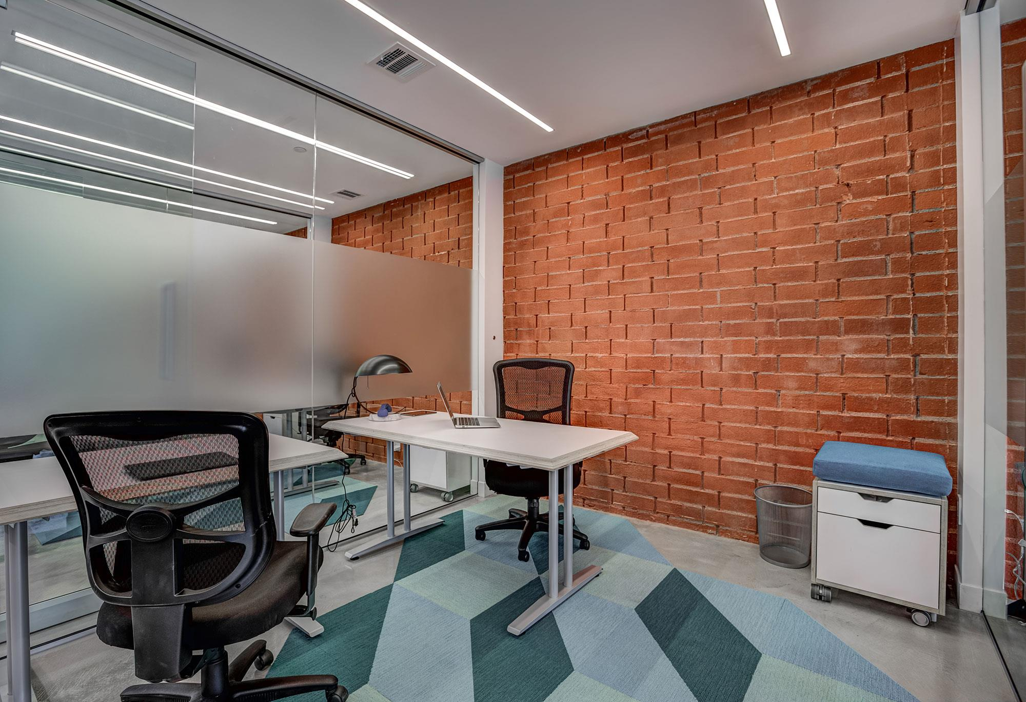 dots SPACE - Office for 3 people