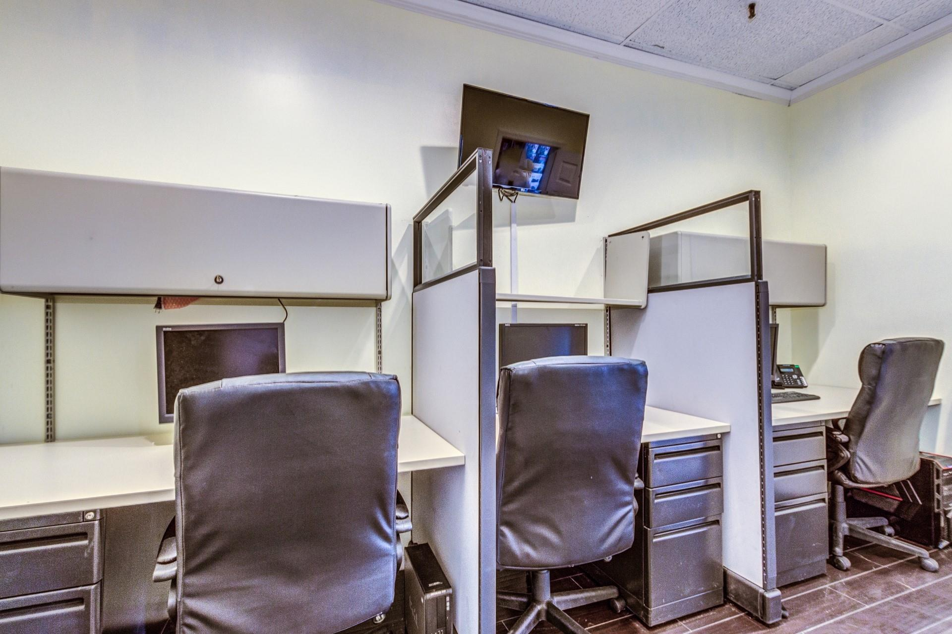 Just My Office - Cubicles