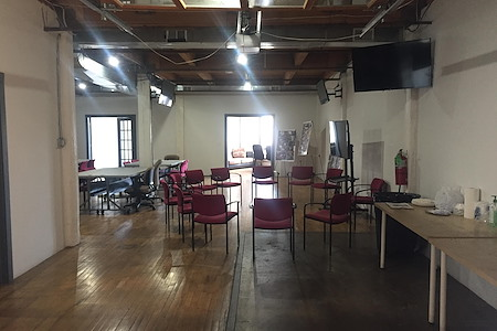 Blue Lacuna - Garage Open Space