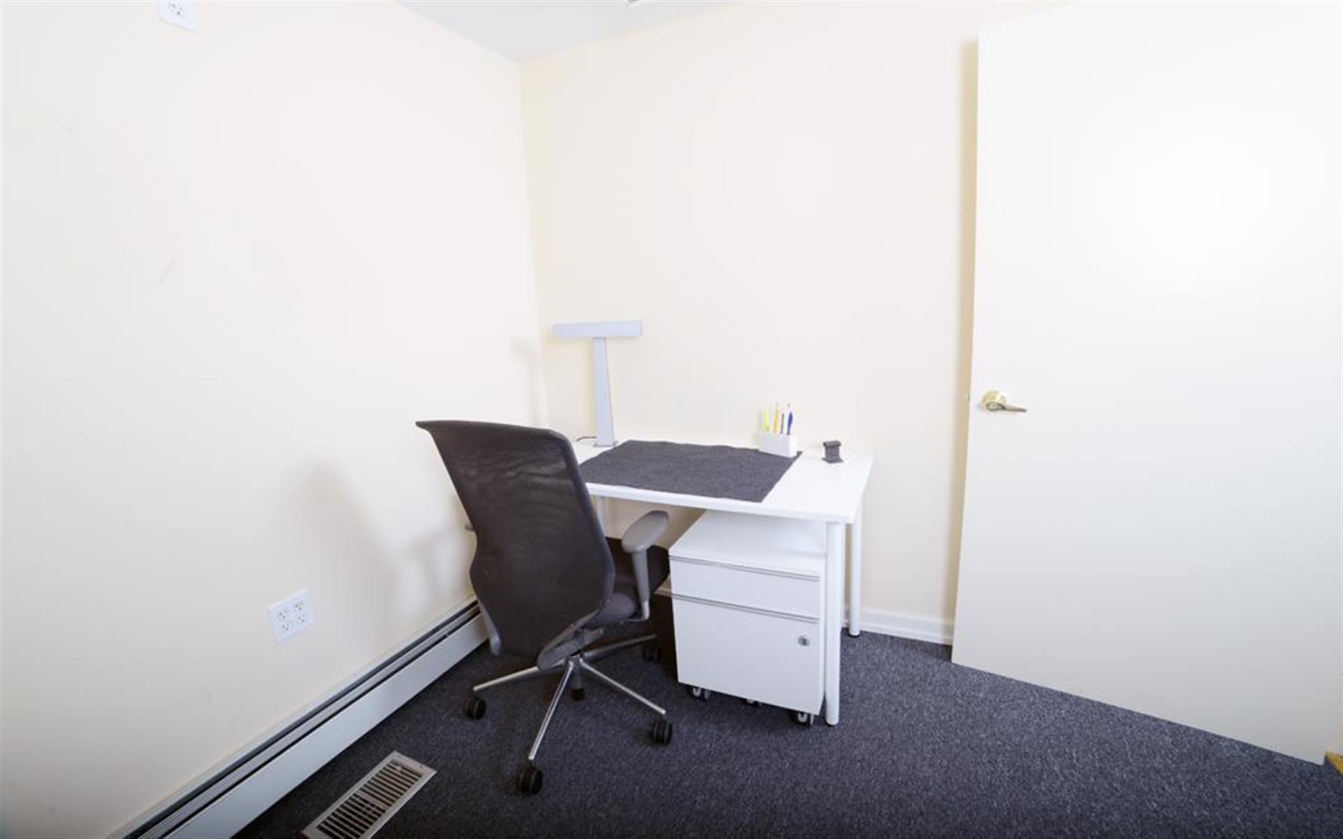 Space69.com - G3 - 2 person office