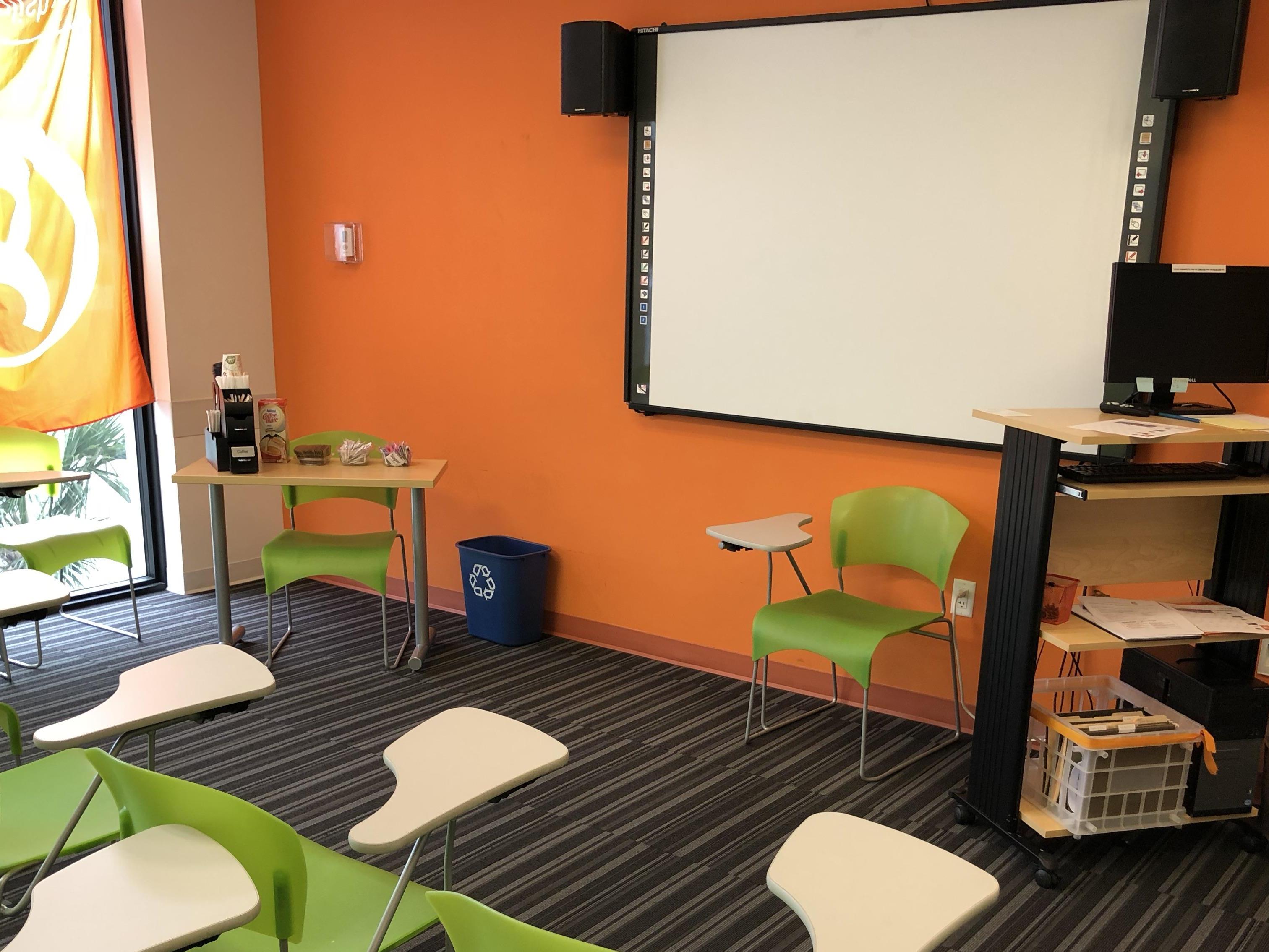 EC English Learning Center - Miami Beach - Classroom 2