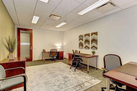 Carr Workplaces - Rosslyn - Spacious Interior Team Room