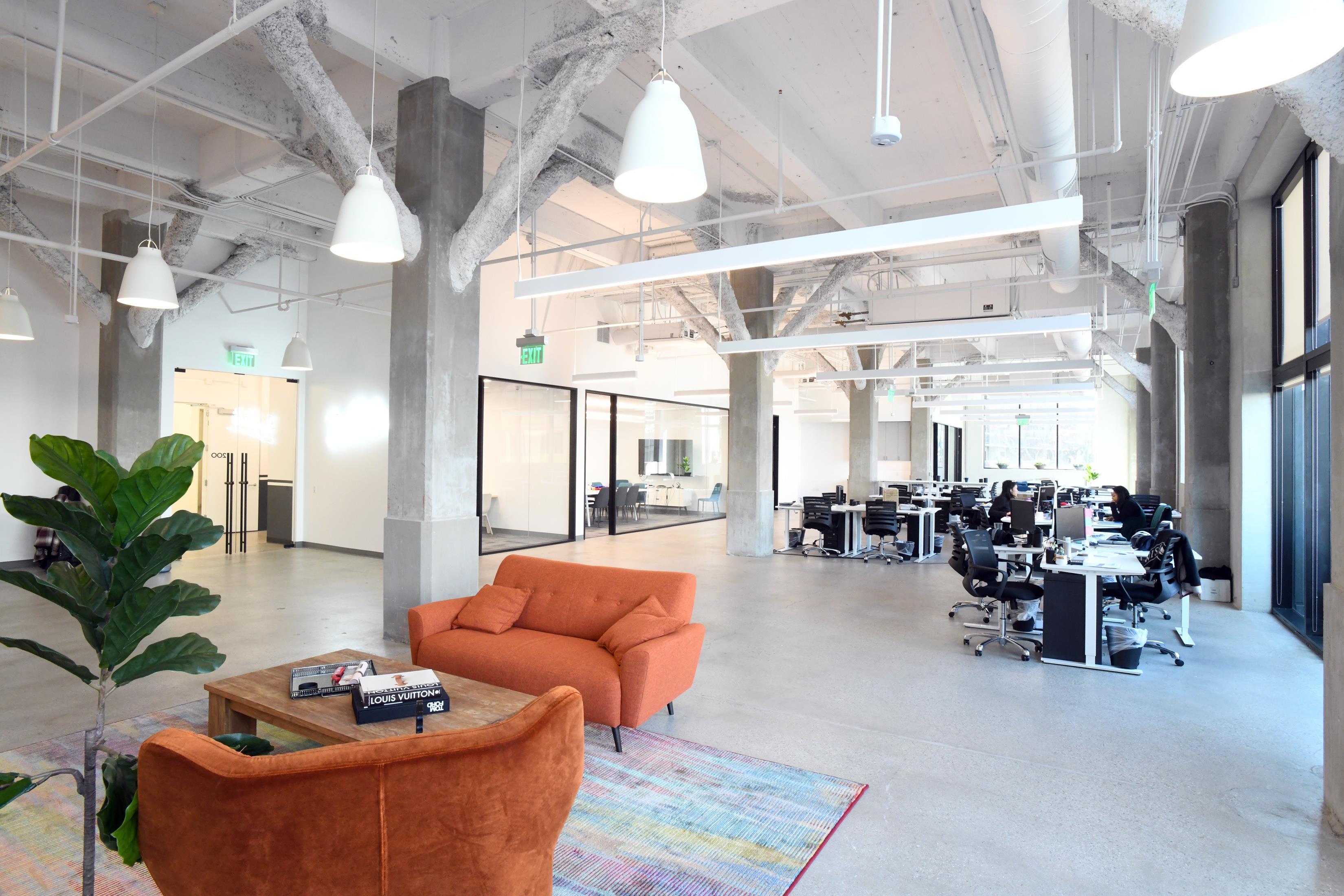The/Studio - Open Desk