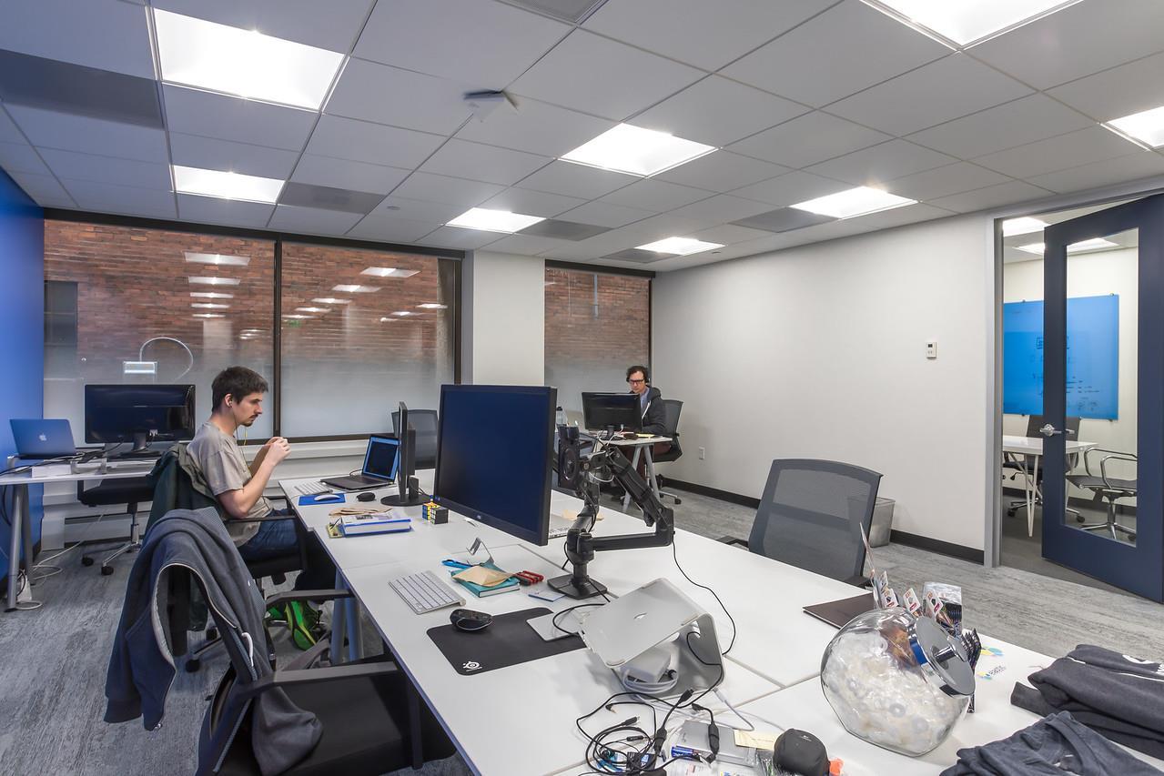 Novel Coworking Wacker - Suite 800B - CORNER CHICAGO RIVER VIEW