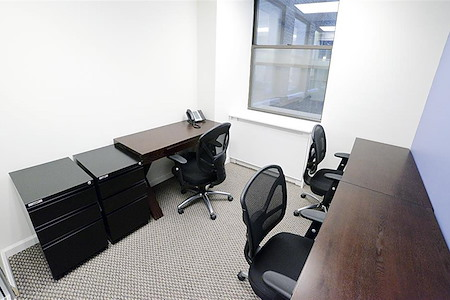 Jay Suites Madison Avenue - Window Day Office