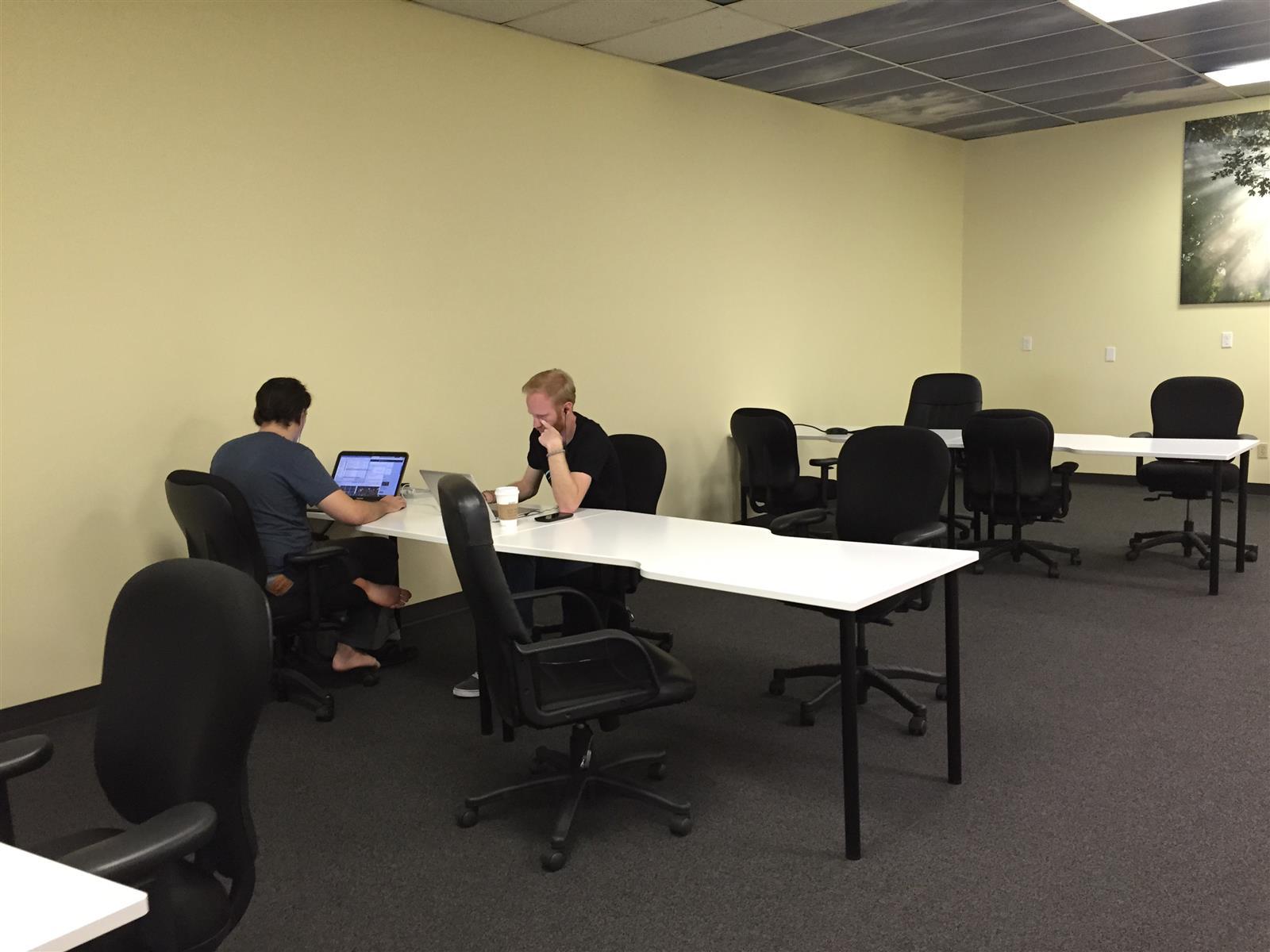 Orange Coworking - Coworking / Shared Space