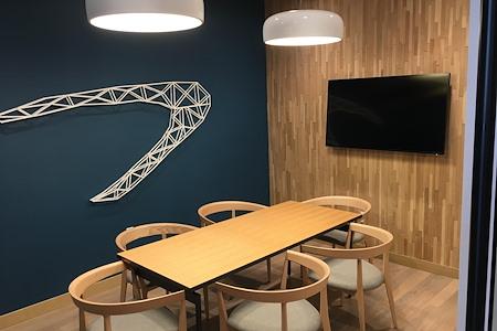 Capital One Café - Miami Beach - Capital One Cafe - Miami Beach (Blue)