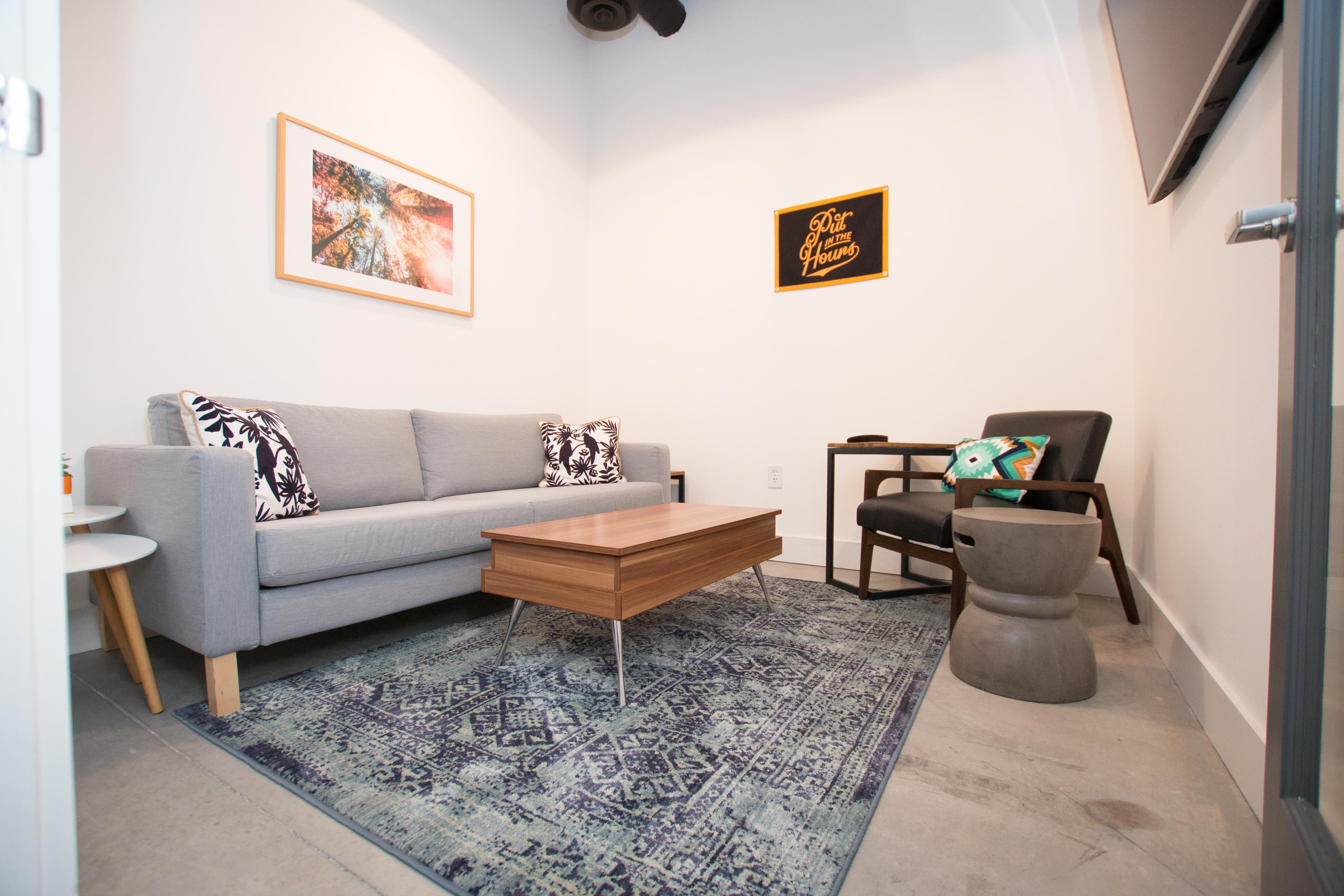 Thrive Coworking - The Living Room - Conference Room