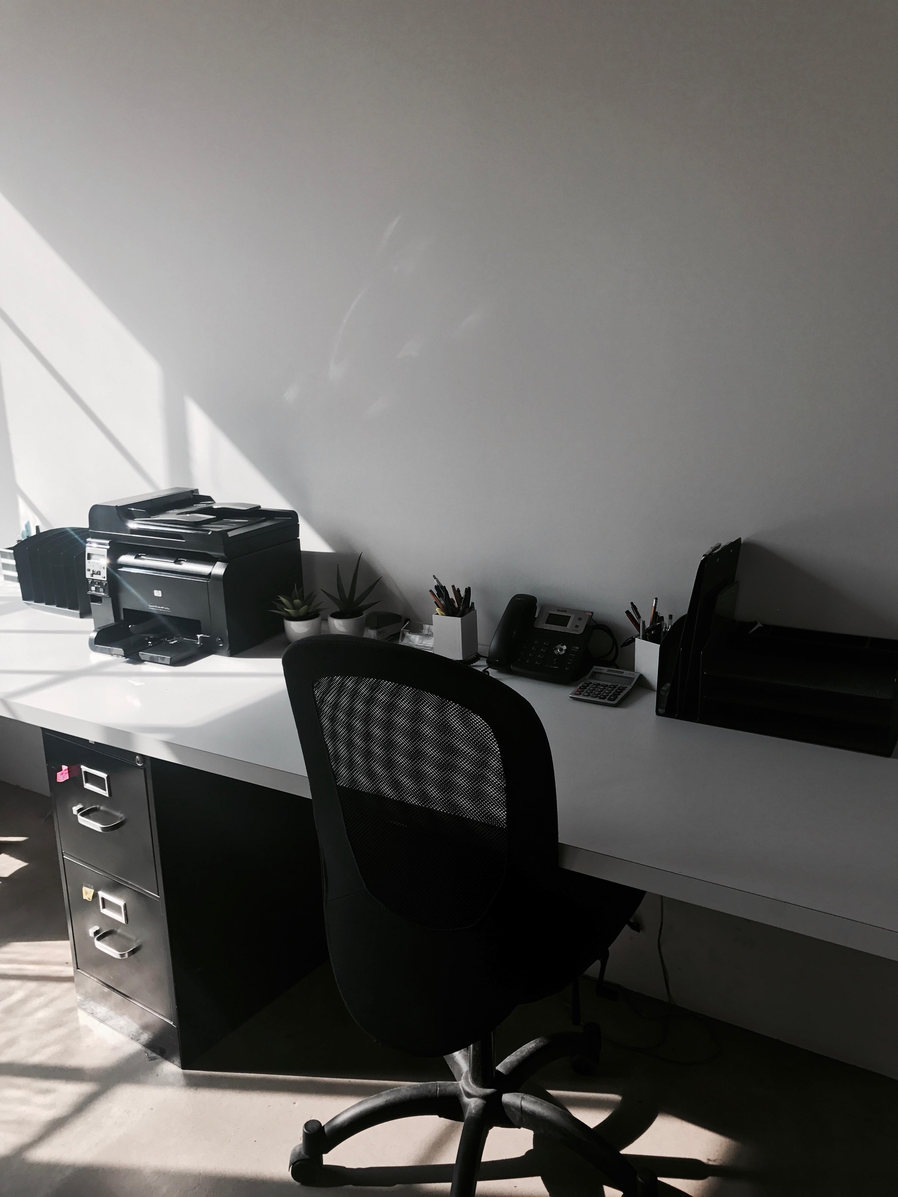 Showroom1205 - West Desk