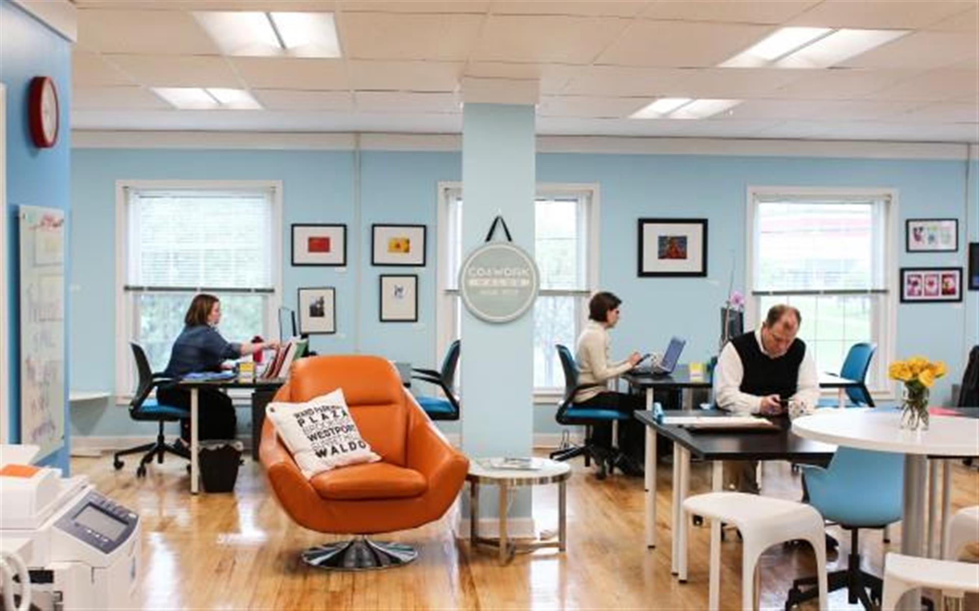 Cowork Waldo - Coworking Dedicated Desk