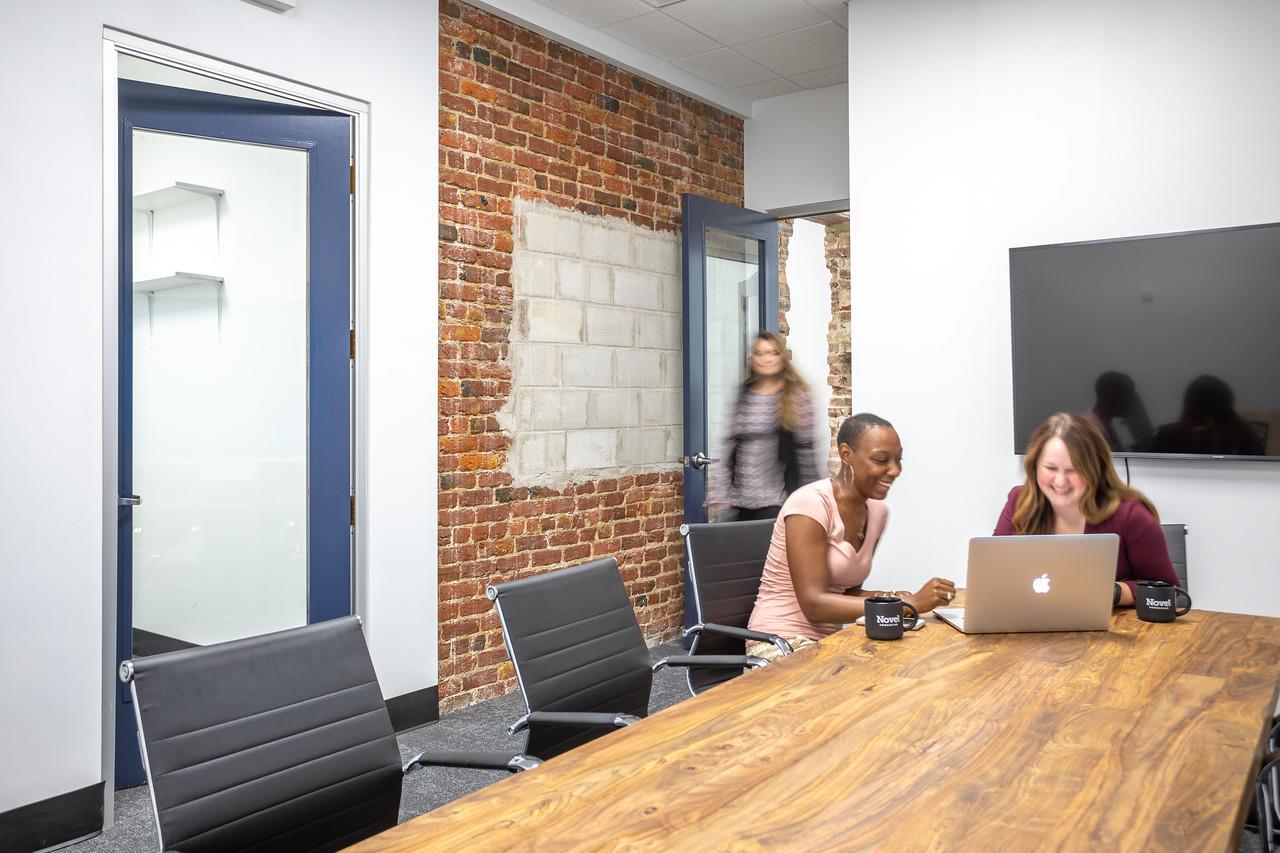 Novel Coworking - Conference Room 1