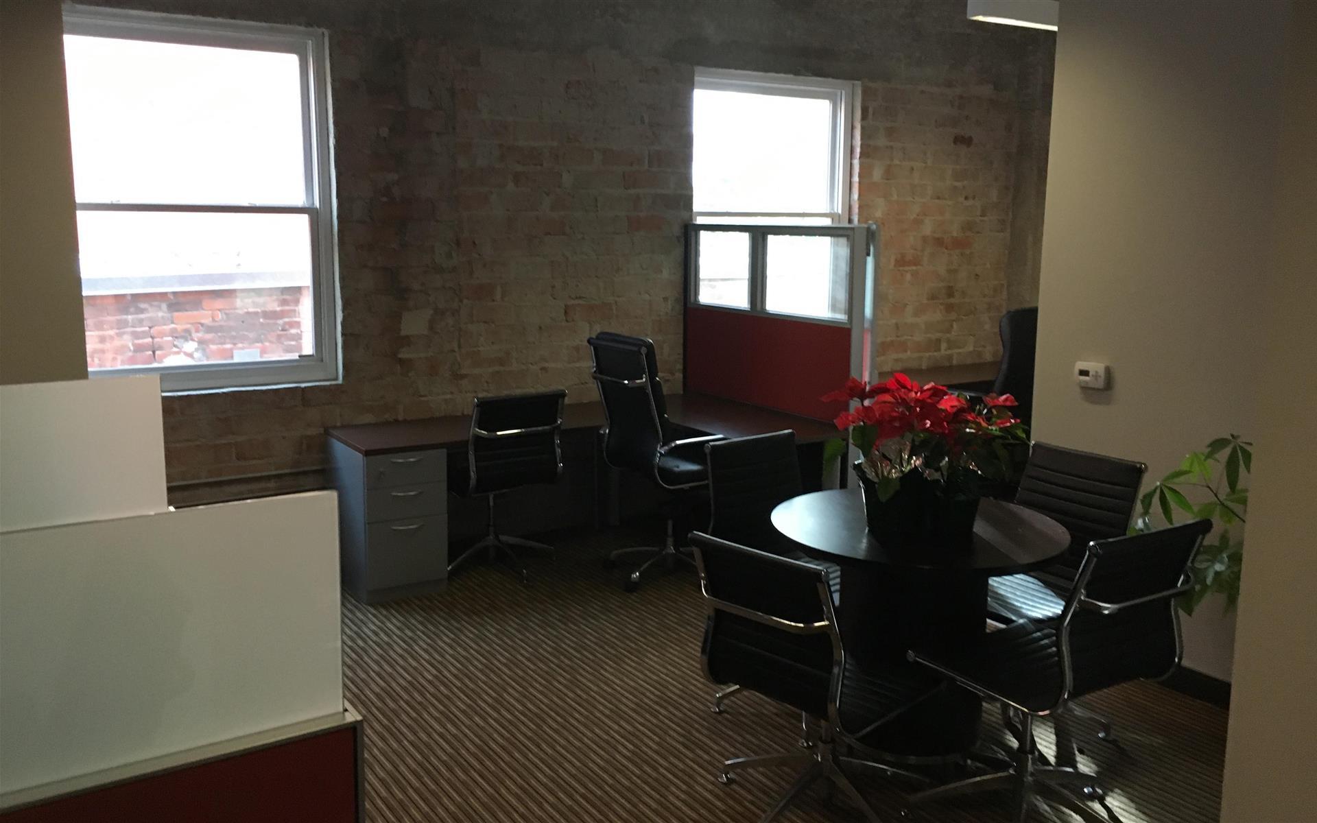 Fident Capital - Office Suite