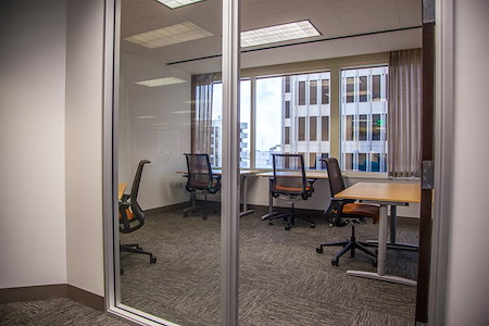 SOMAcentral | San Francisco (Sacramento St.) - Team Office For 7