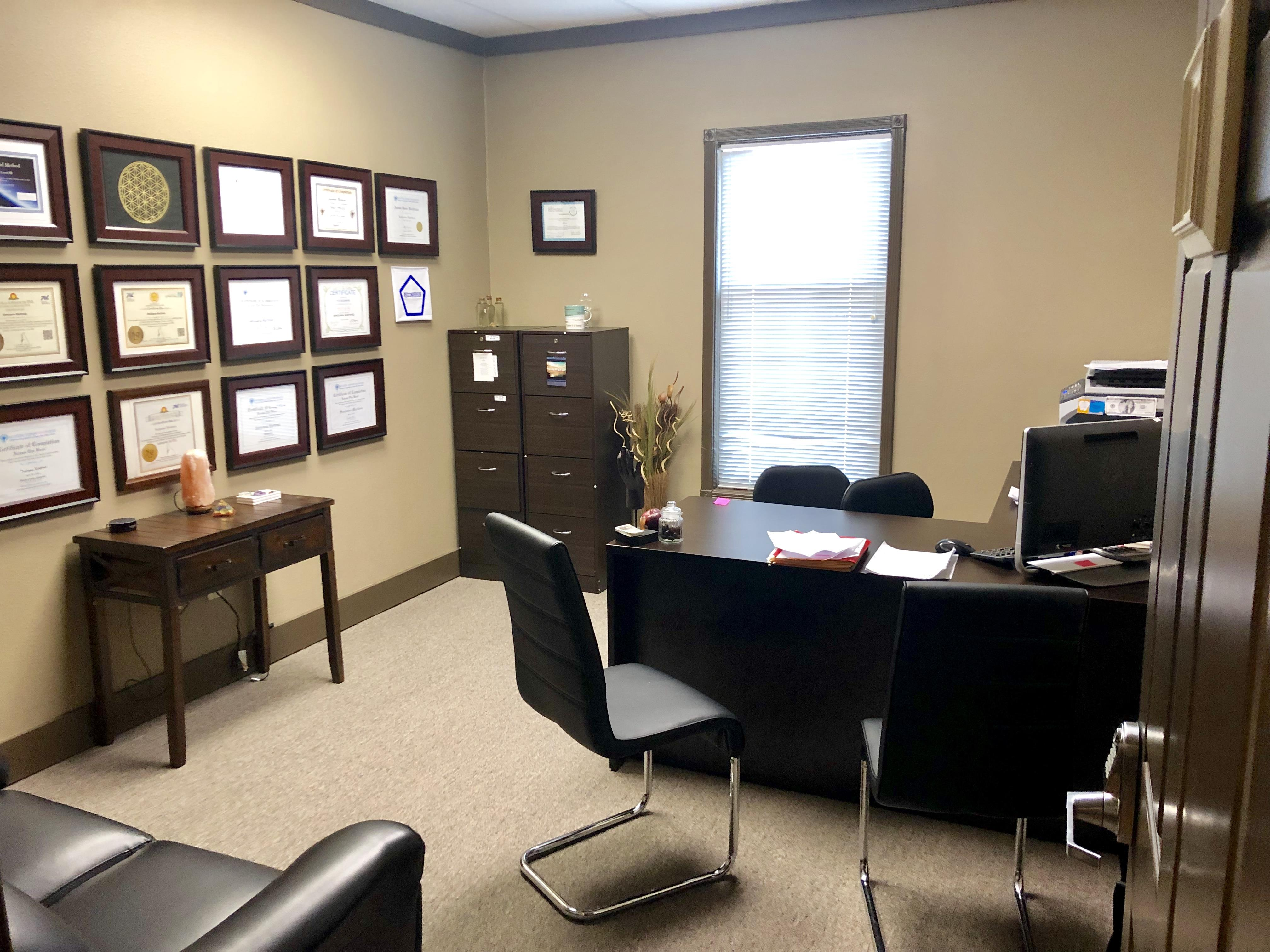 Georgetown Isles - Office 1