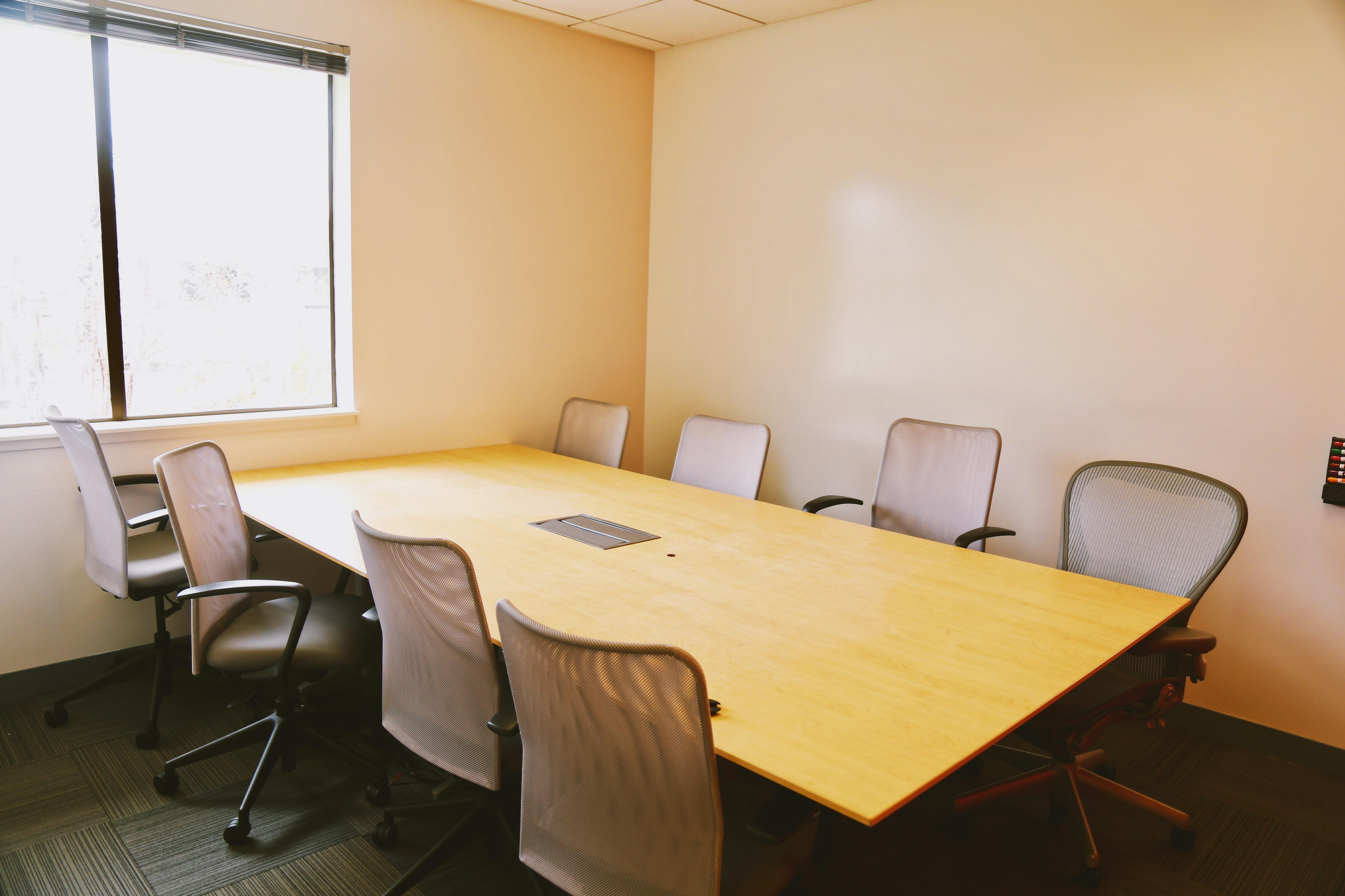 2 Waters Park - Private Office for 7-8 people