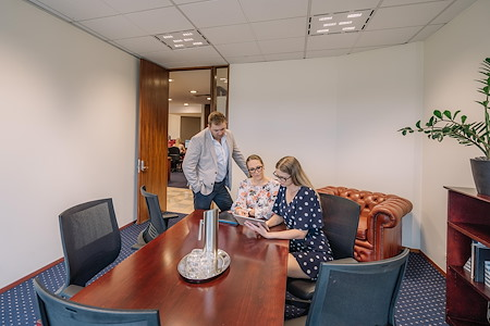 Servcorp Chifley Tower - Small Boardroom | 6-8 People