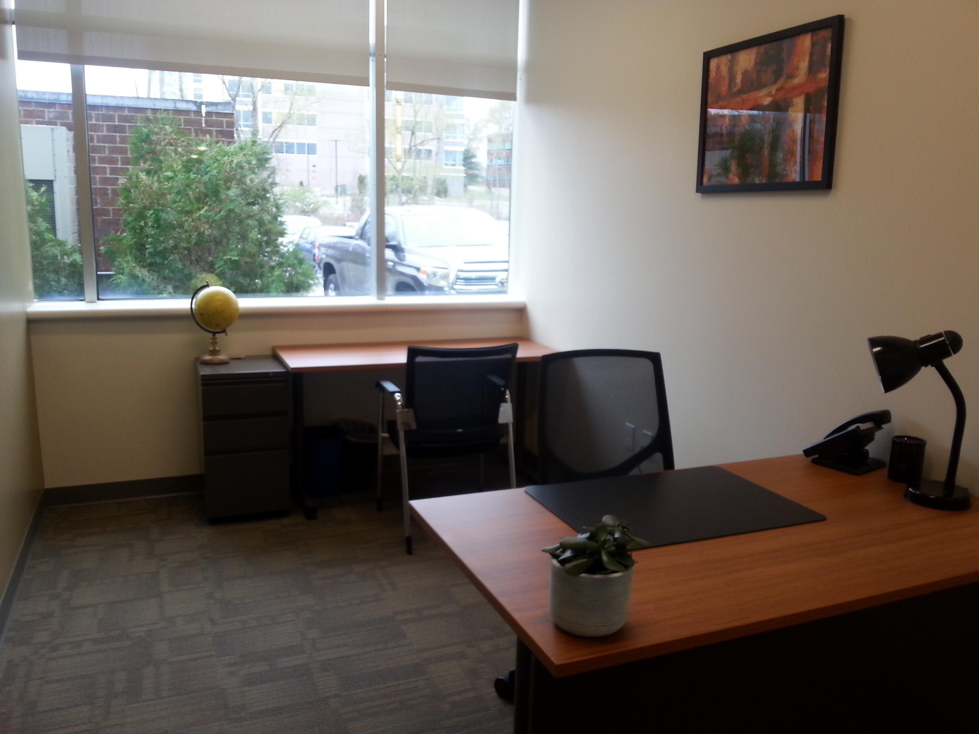 Office Evolution - Burlington - Day Office 2 Burlington MA
