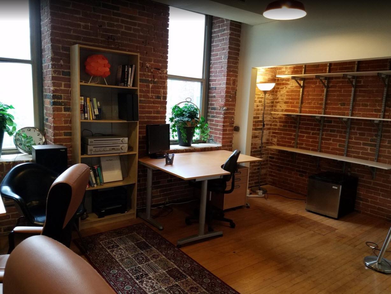 Mill Center - Dedicated Desk 1