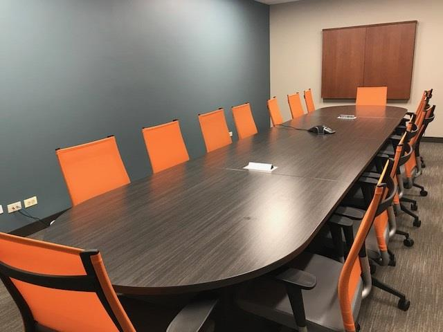 Office Evolution - Hoffman Estates - Meeting Room 3-Medium Conference Room CD