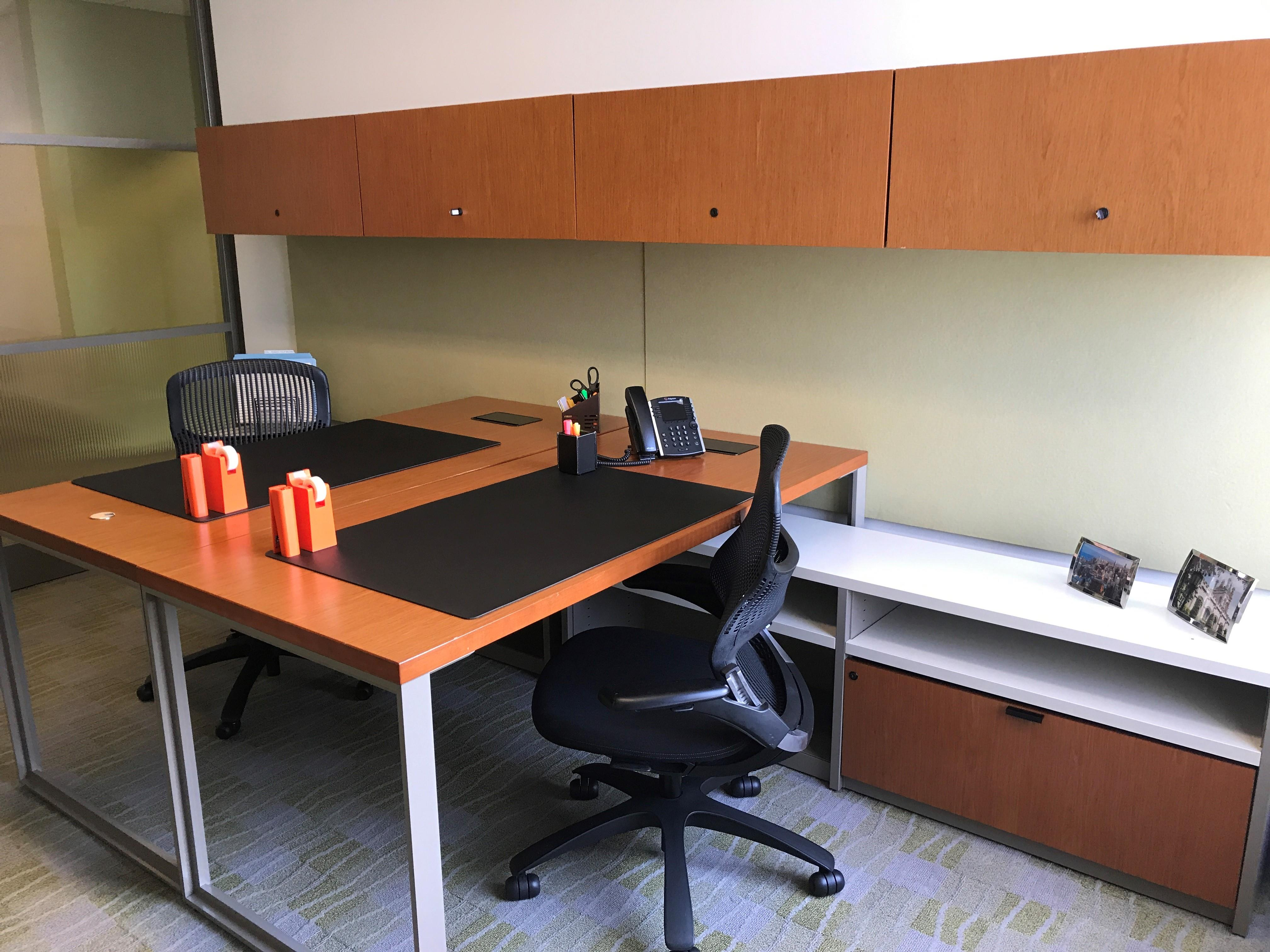 Carr Workplaces - Aon Center - Private Exterior Office for 2 People