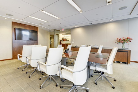 Carr Workplaces - Friendship Heights - Western Boardroom