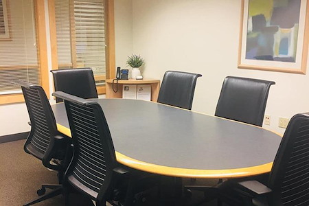 Intelligent Office - Melville - Medium Meeting Room  (Projector)