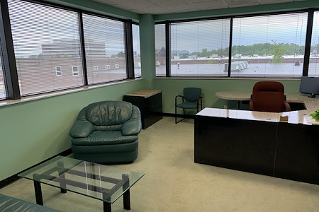 Auxano Studio and Business Center - Executive Office Suite