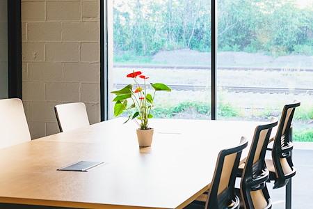 Venture X | Richmond - Shared Desk
