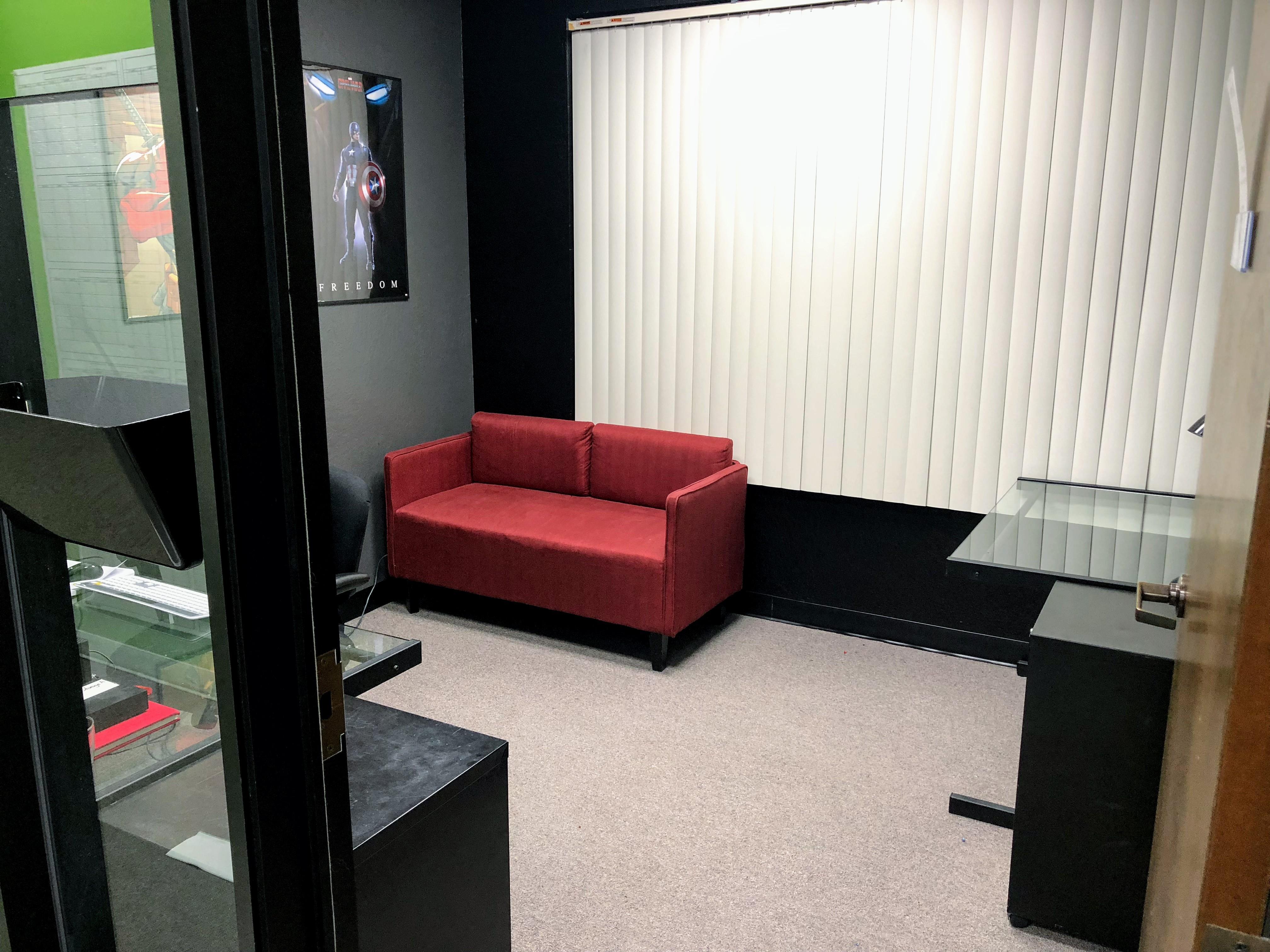 Cinema Exchange - 2-3 person private office E