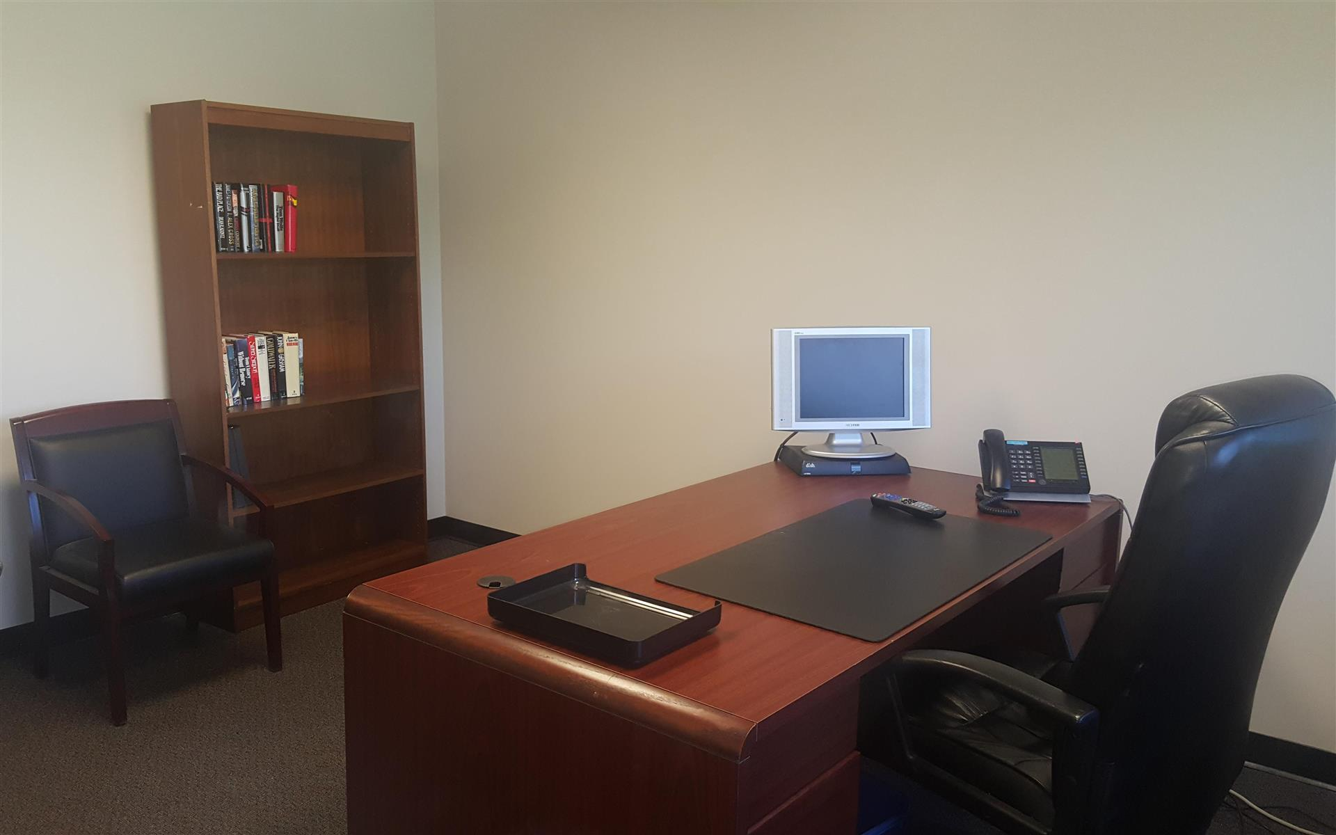 Creve Coeur Workspace - Team Office with Window View