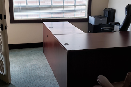 OC LEGAL HELP - SUPER NICE OFFICE SPACE