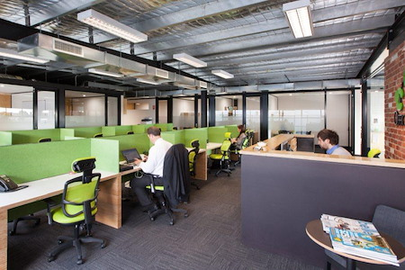 OfficeOurs-Yarraville - Casual desk