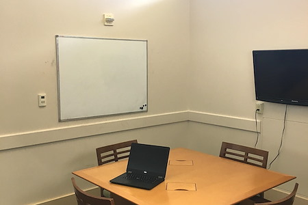 Central Park Library - Oak Study Room