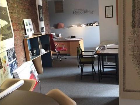 Amanus Consulting Group - Desk 1