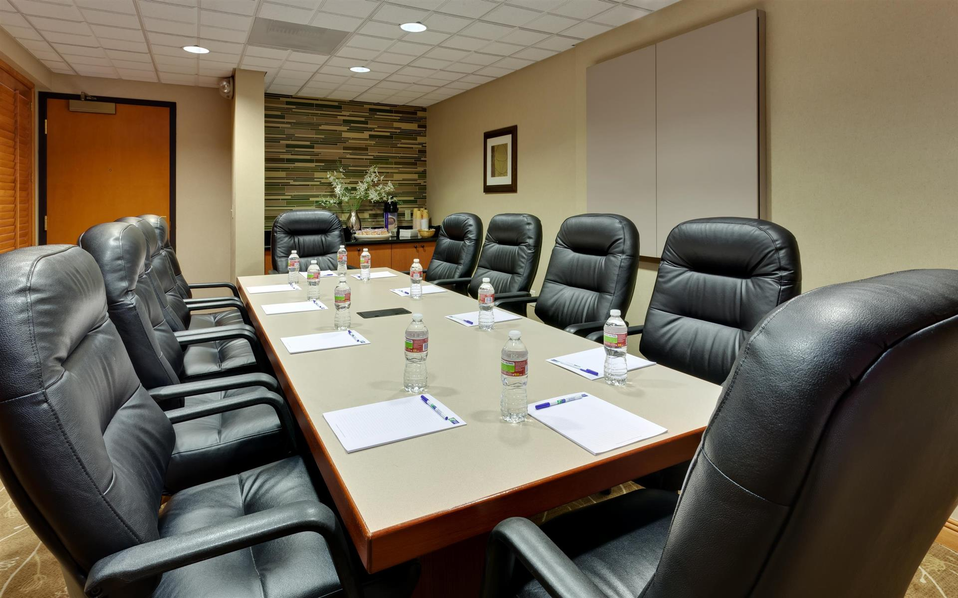 Holiday Inn Express North SFO Airport - Executive Board Room
